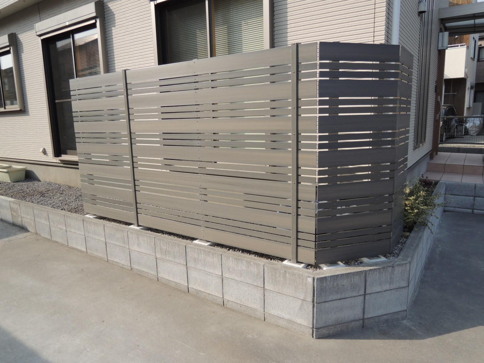 木目調樹脂製フェンス(相模原市 K様邸)
